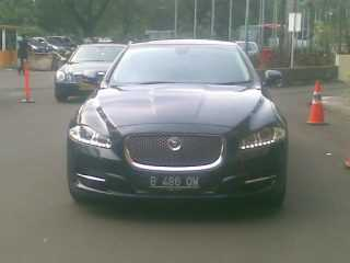 sewa jaguar, rental jaguar rental mobil jaguar XJL, sewa jaguar xf, rental mobil pengantin, wedding car