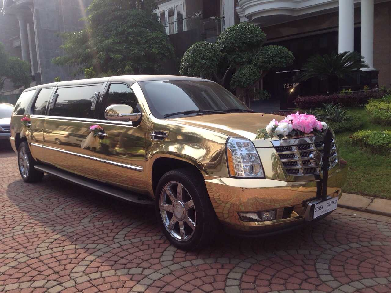 suv-wedding-car-sewa-mobil-pengantin-mewah-cadilac-limousine