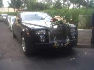 Rental mobil Rolls royce phantom , rental mobil pengantin, sewa mobil mewah, jakarta, bandung,cirebon, bogor, tangerang, bekasi, karawang, banten